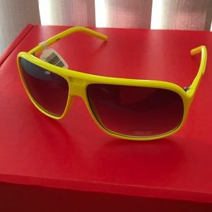 NWT Bright yellow sunglasses
